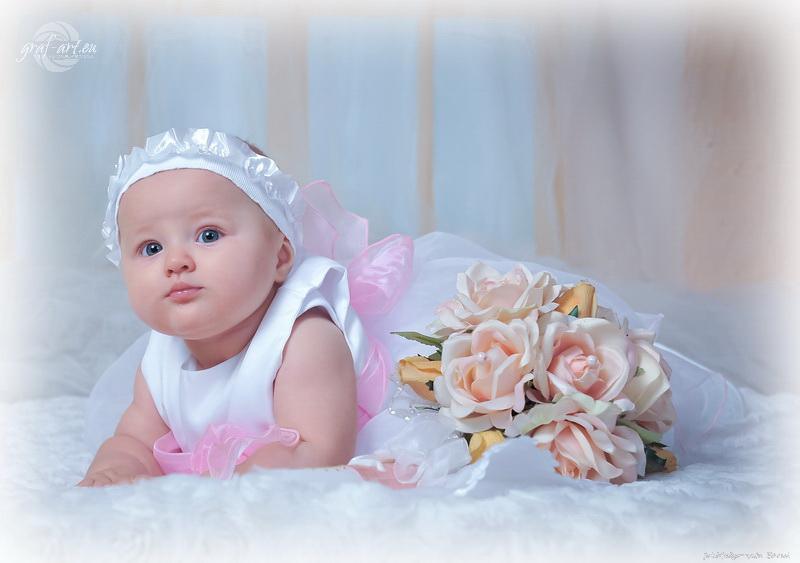 Lenka   chrzest zdjęcia ze chrztu w Opocznie fotografie w studio Opoczno Chrzest Opoczno sesja na roczek sesja dziecieca opoczno fotografie do chrztu chrzest opoczno